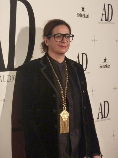 La prestigiosa diseñadora francesa recibió el premio especial AD de la redacción 2014 de manos de ENRIC PASTOR, subdirector de AD