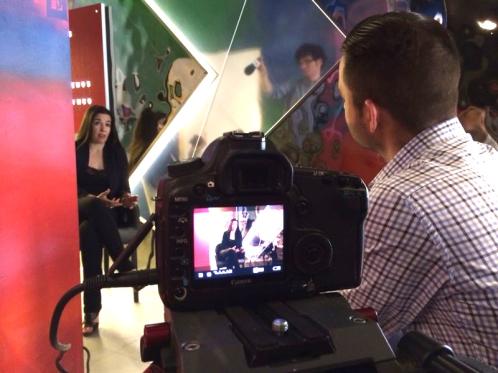 Virginia del Barco charla con Manuel Espejo en un momento de la entrevista.